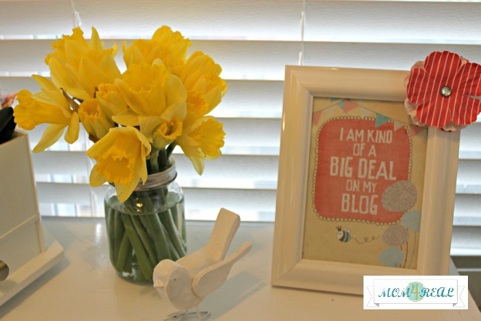 spring-decor-fresh-flowers-daffodils