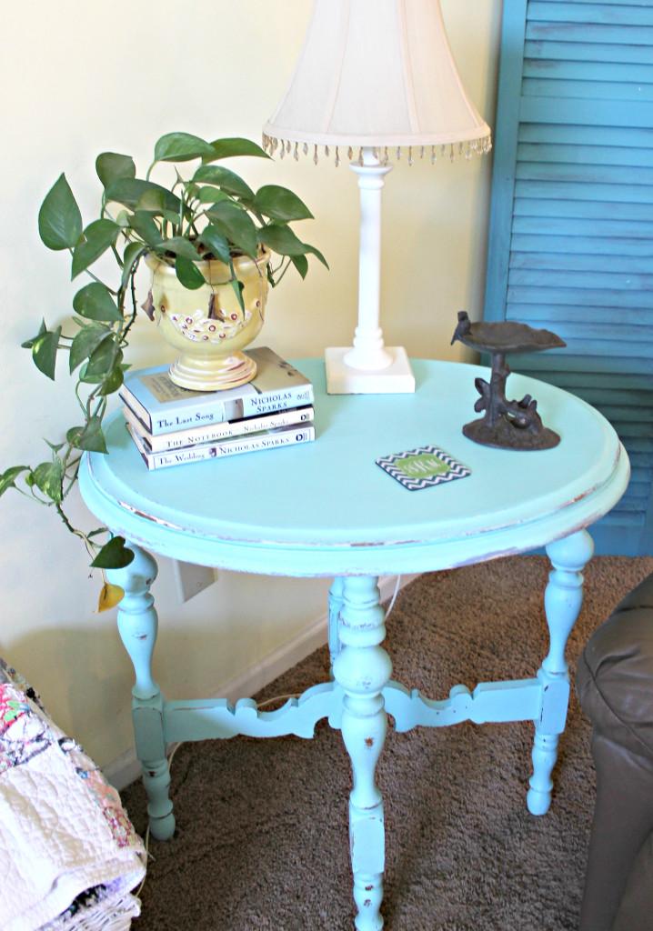 maison-blanche-paint-collette-side-table-3