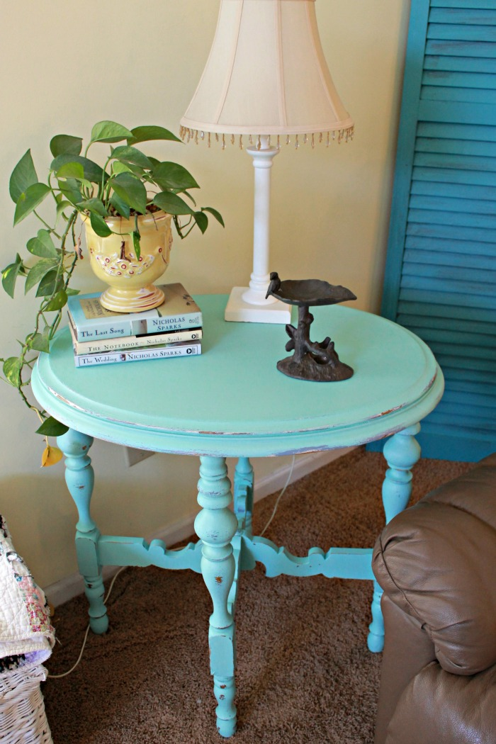 Aqua painted side table mom 4 real for Table blanche