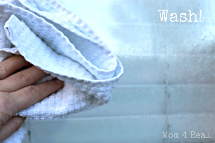 Easy No Streak Window Cleaning at www.mom4real.com