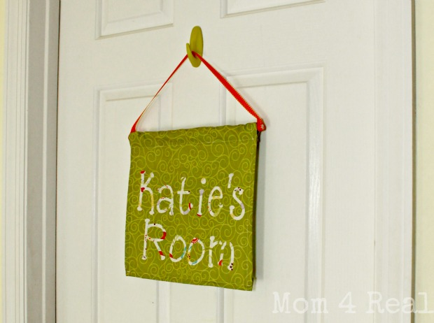 How to make a hanging door sign final