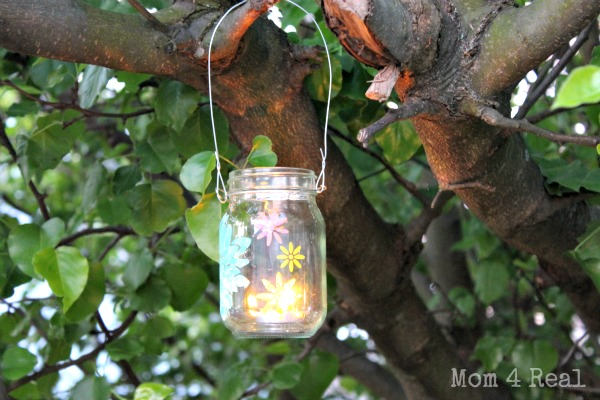 Hanging Mason Jar Tea Light Holder at www.mom4real.com