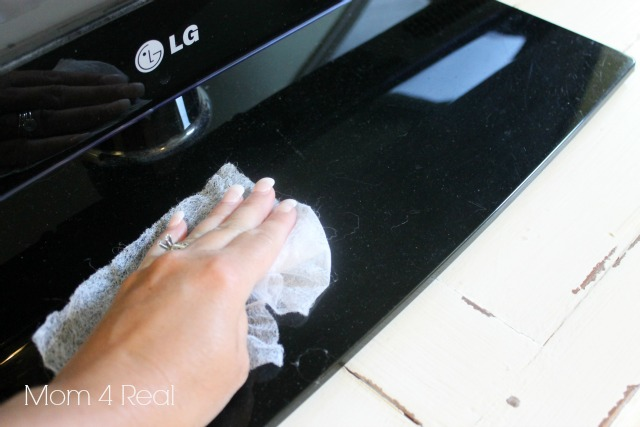 The easiest way to dust your electronics