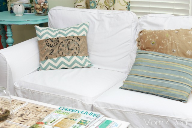 Stenciled Burlap Chevron Pillow from Mom 4 Real4