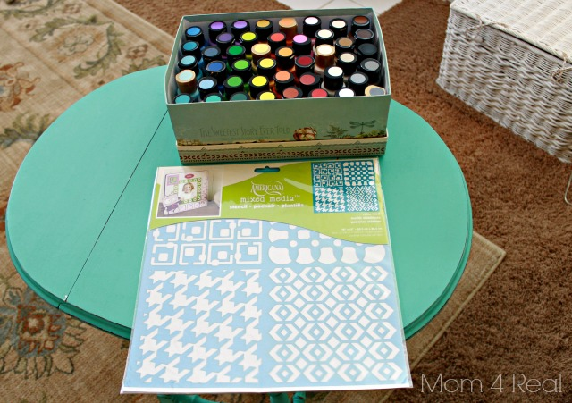 Stenciled Houndstooth Side Table