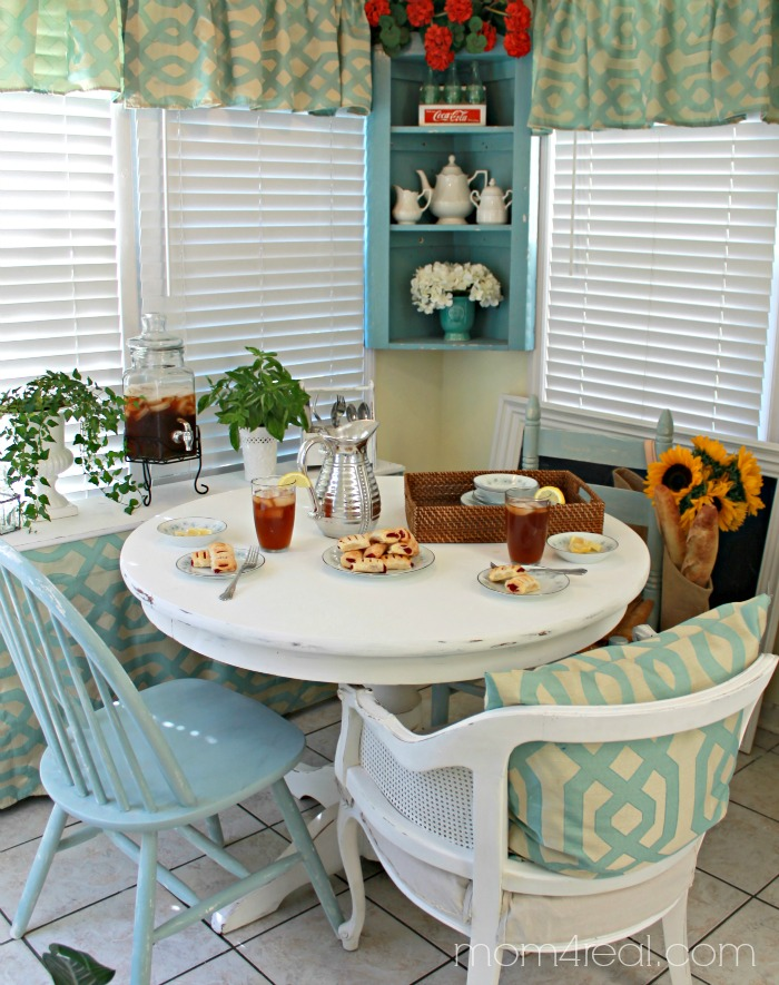 Breakfast Nook Makeover on the Cheap