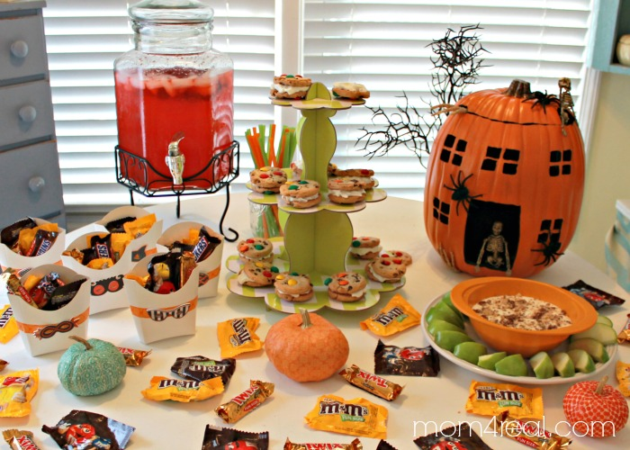 Throw a fun and easy Halloween Party