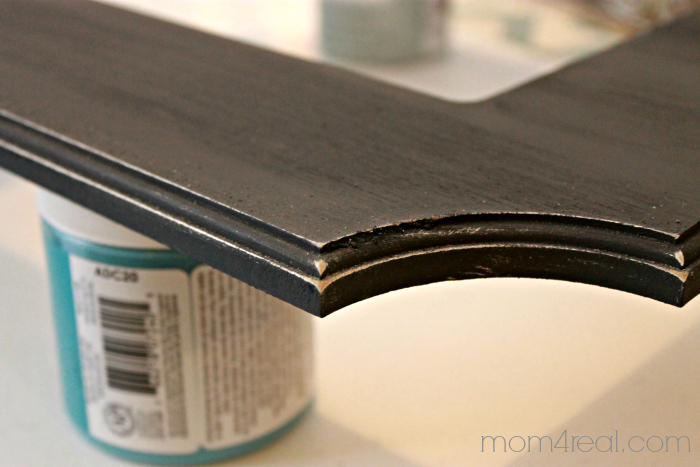 Distressing edges using chalky paint