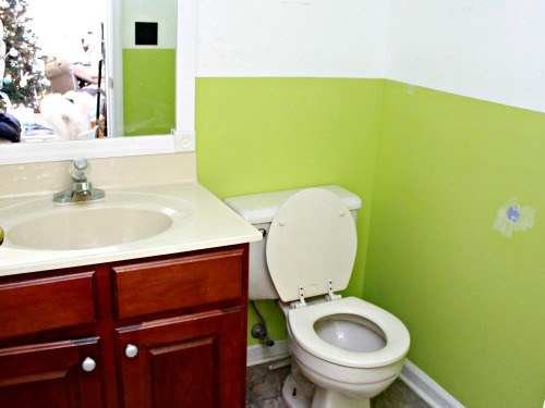 Budget-Bathroom-Makeover-Before