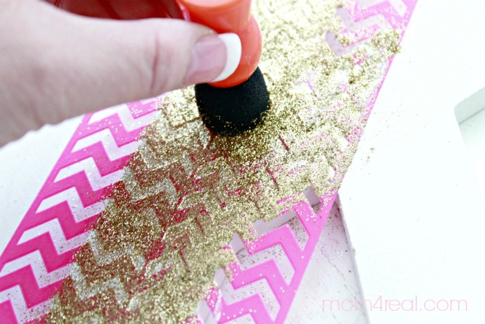 How to make a glittered monogram using a stencil