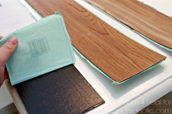 Peel-and-Stick-Vinyl-Flooring-600x400