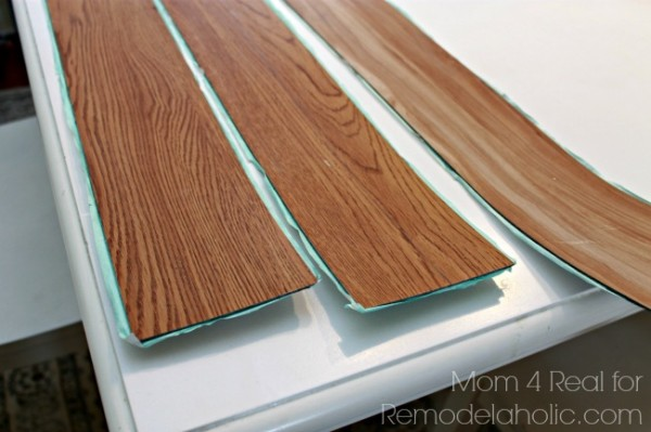 Vinyl-peel-and-stick-flooring-600x399