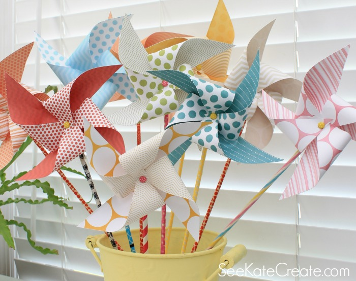 http://www.mom4real.com/wp-content/uploads/2014/05/How-to-make-paper-pinwheels-in-minutes.jpg