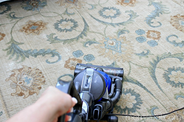 Make your own vaccuum carpet sprinkle with 2 ingredients