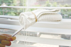 How-to-clean-wood-blinds-in-minutes