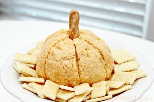 Pumpkin Cheese Ball Recipe & Fall Gift Idea!