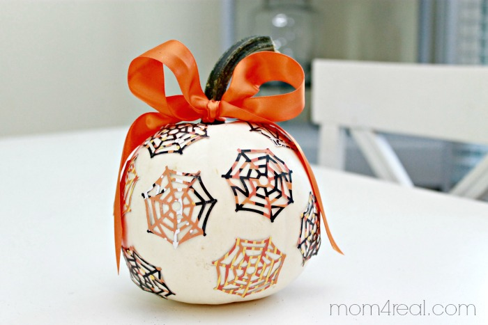 Spider Web Pumpkin and lots more at mom4real.com