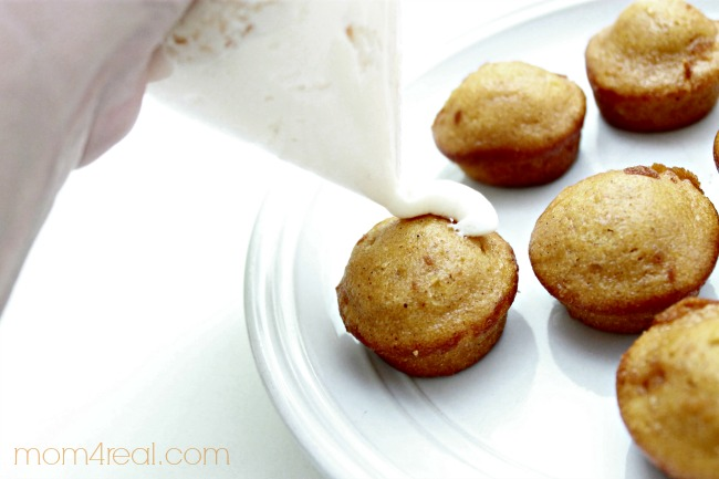 5 Minute Cream Cheese Pumpkin Muffins