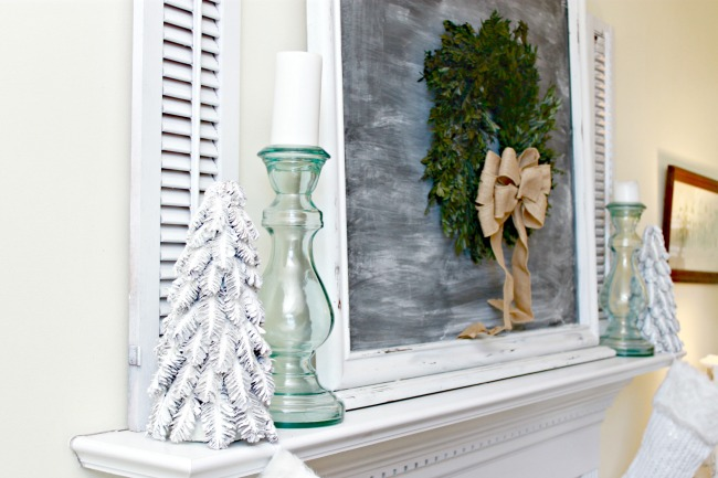 Christmas-Chalkboard-Mantel