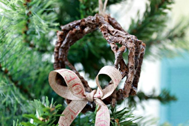 Easy Twig Wreath Ornament
