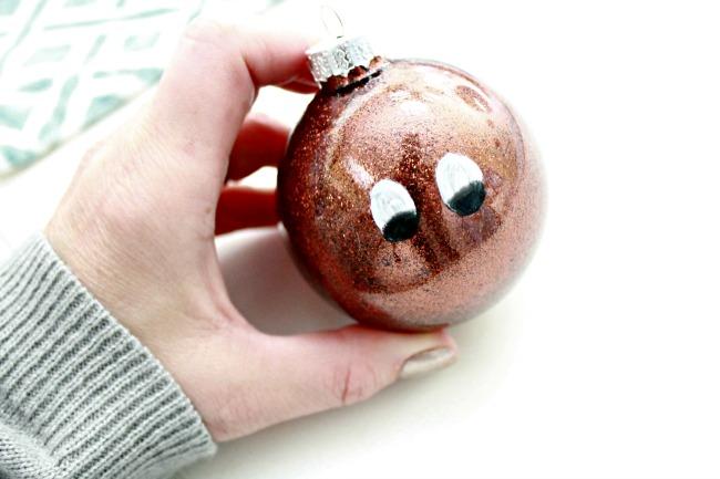 Paint-Rudolphs-Face