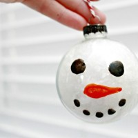 Snowman Glass Ornament – Day 5 of 12 Days of Christmas Ornaments!
