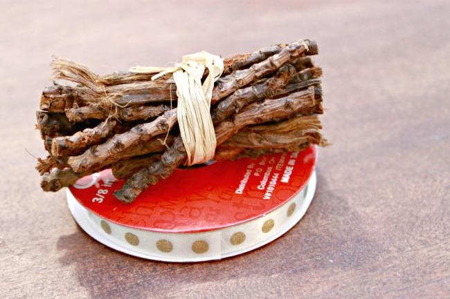Twig-Wreath-Ornament