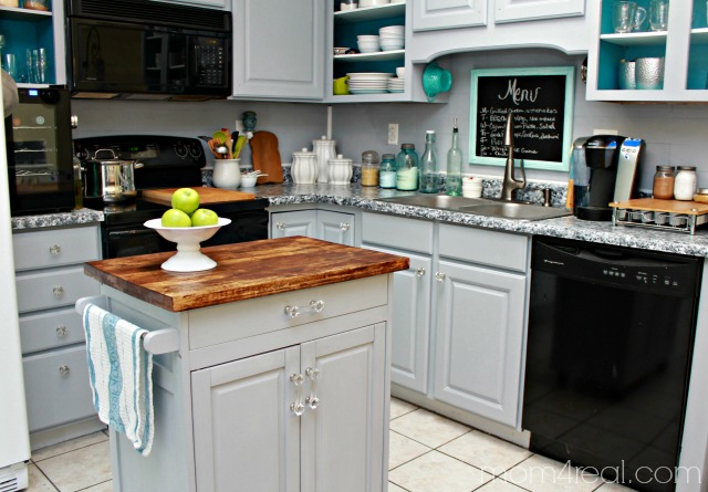 Thrift-Store-Microwave-Cart-Turned-Kitchen-Island1