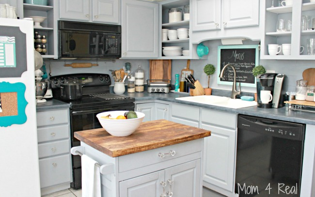 http://www.mom4real.com/wp-content/uploads/2015/01/Small-Stylish-Grey-Kitchen-Cottage-Style.jpg