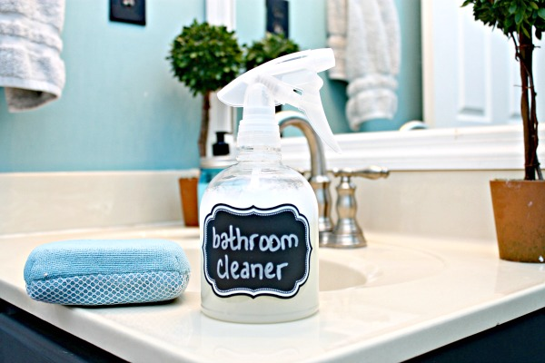 Homemade Bathroom Cleaner – All Natural