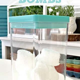 DIY Toilet Cleaning Bombs - These little pods will clean even the dirtiest toilet!