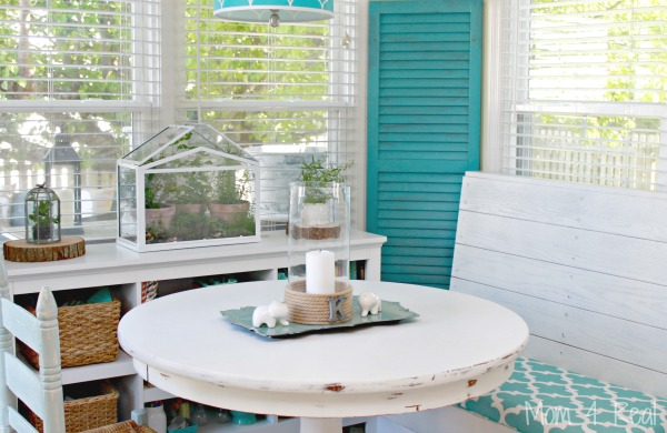 Aqua-Breakfast-Nook