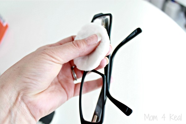How-To-Clean-Eye-Glasses