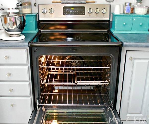 how to clean your oven with vinegar