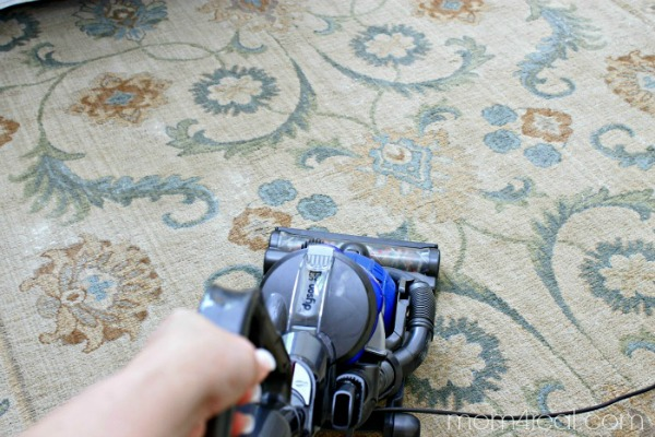 Make-your-own-vaccuum-carpet-sprinkle-with-2-ingredients (1)