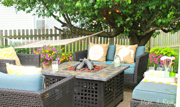 http://www.mom4real.com/wp-content/uploads/2015/05/Patio-Makeover.jpg