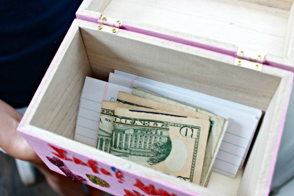 Teaching Kids To Save Money and DIY Money Box