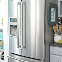 How To Clean Stainless Steel and Keep It Smudge and Fingerprint Free Naturally
