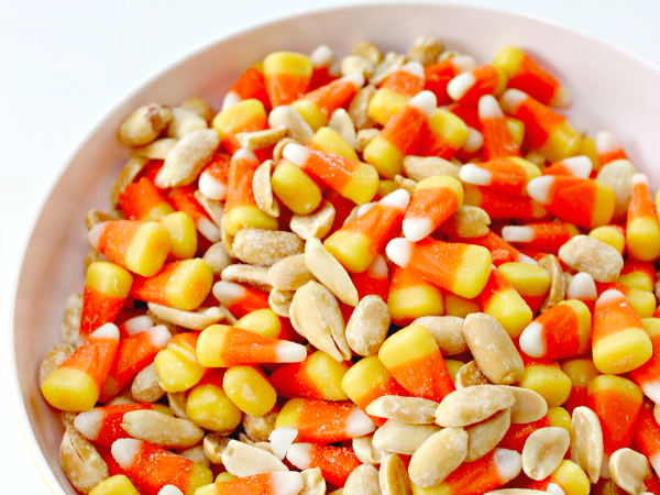 Payday-Candy-Corn-Snack-Mix