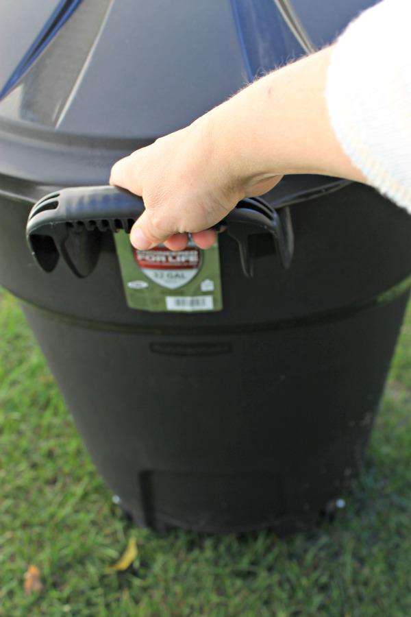 Rubbermaid-Trash-Can