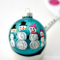 DIY Painted Snowman Family Christmas Ornament