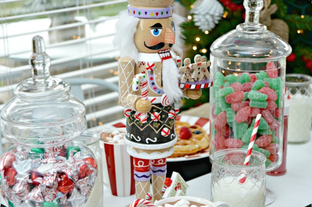 Magical Kid's Holiday Table and Homemade Waffle Bar. Bring a little magic to the kid's table this Christmas with fun touches and a make your own Belgian Waffles Bar!