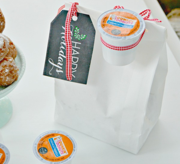 This Christmas give the gift of coffee and donuts! This cute gift idea is inexpensive and perfect for teachers, neighbors, friends, mail carriers and a great Secret Santa gift idea!