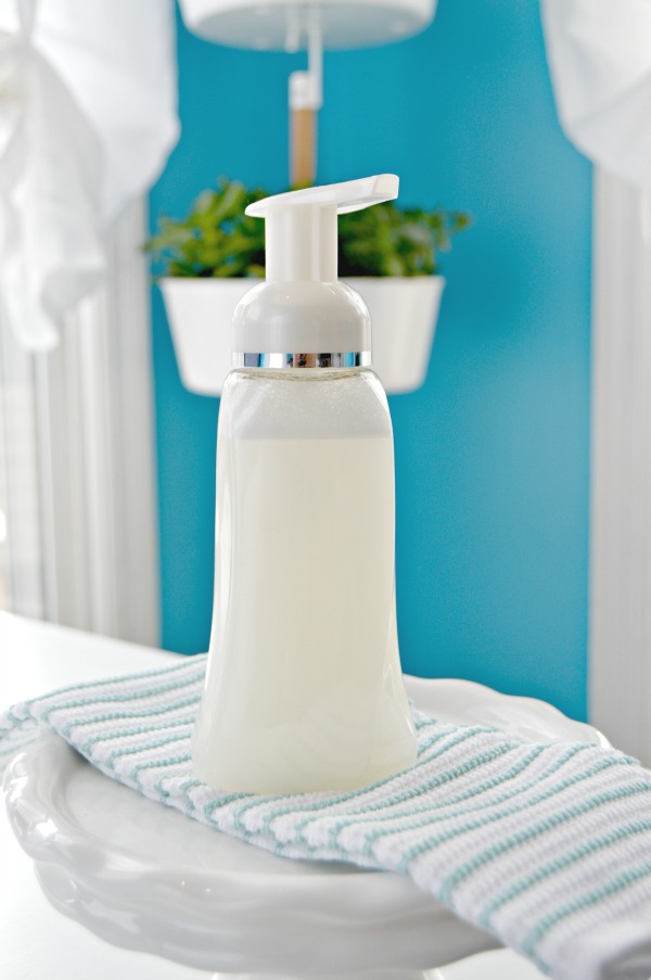 DIY-Foaming-Hand-Soap