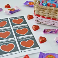 Color Dipped Valentines Day Gift Basket