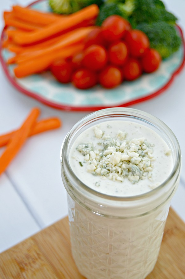 Homemade Blue Cheese Dressing Recipe - Great used as a salad dressing, vegetable dip, with hot buffalo wings, on burgers or even on steaks!