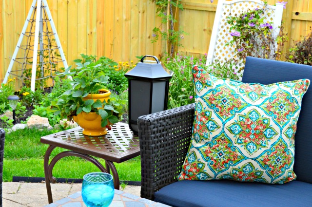 Summer Patio Makeover with shade, drink cooler and more!
