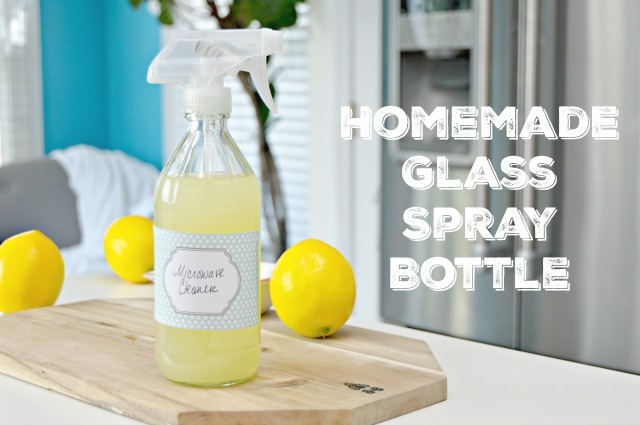 Homemade Glass Spray Bottle for Homemade Cleaning Solutions, plus Free Printable Cleaning Labels