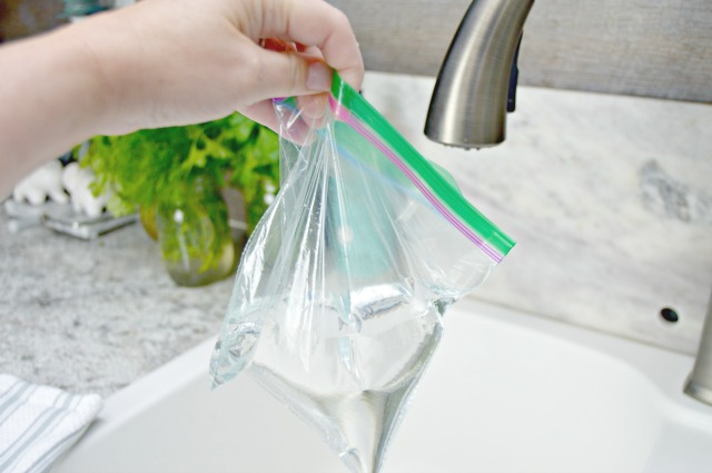 How To Clean A Kitchen Faucet In Minutes