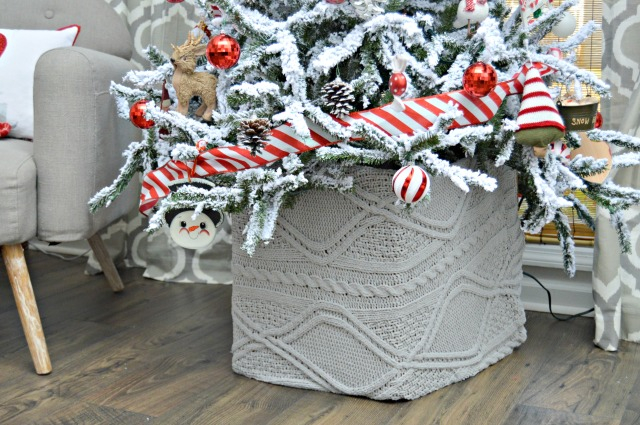 http://www.mom4real.com/wp-content/uploads/2016/11/christmas-tree-trunk-cover.jpg